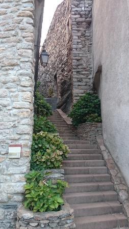 Saint-Nazaire-de-Ladarez, Francja: Genuin idyll
