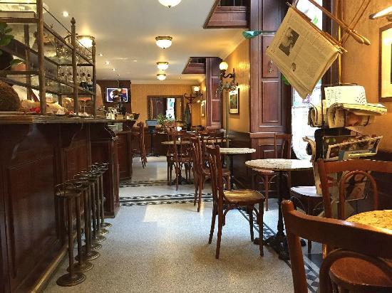 Gerloczy Rooms de Lux: Gerloczy Cafe