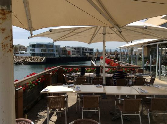 Sammy's On The Marina: Outdoor area