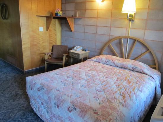 Hardin, MT: Main bed