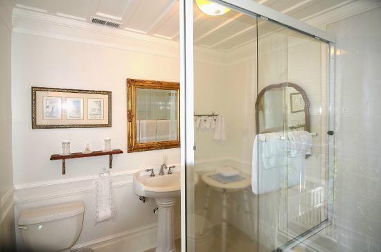 Inn St Helena: Edweard Muybridge Bath
