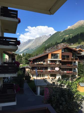 Hotel Mirabeau : Matterhorn in the background