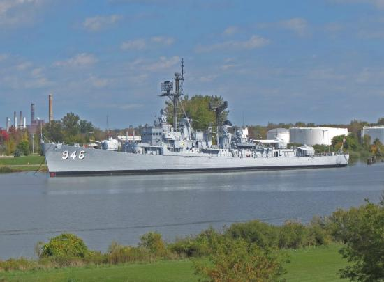 Bay City, MI: USS Edson Saginaw River