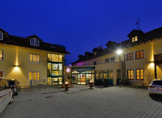 โรงแรมเบสท์เวสเทิร์น พลัส เอิร์บ