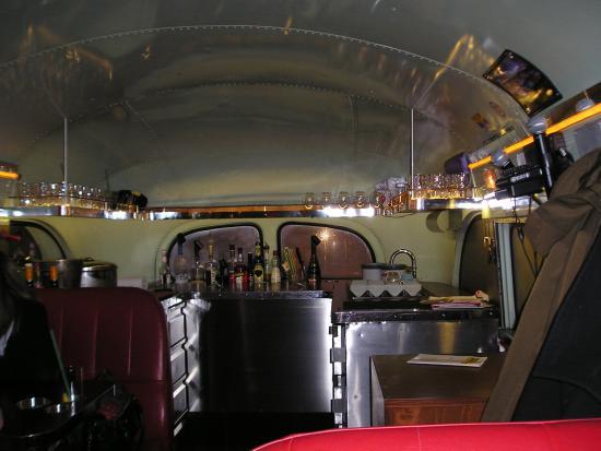 Dinnerhopping: die Bar im bus