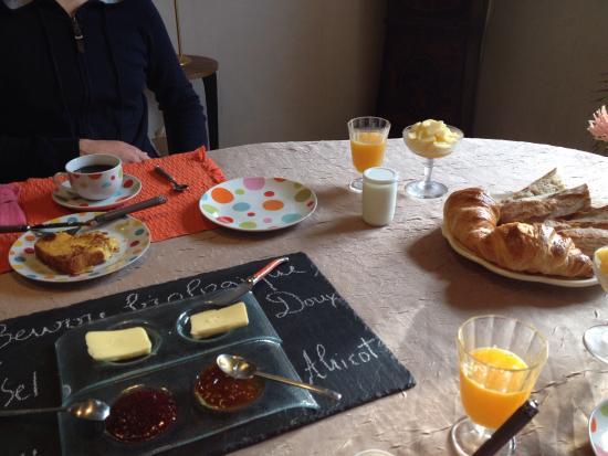 Saint-Denis-sur-Loire, Франция: Petit déjeuner