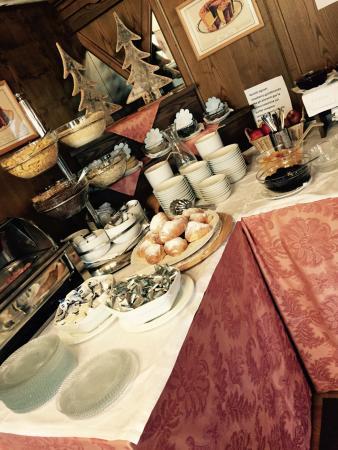 Belvedere : Colazione a buffet abbastanza buona