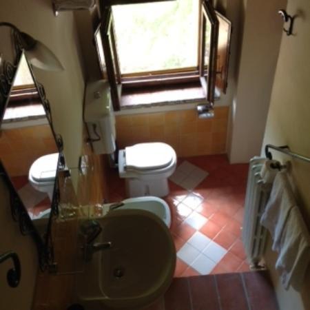 Fattoria Poggiarelli : Bathroom