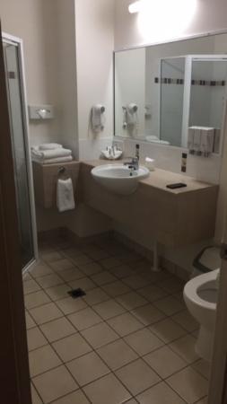 Coral Cay Resort: Bathroom