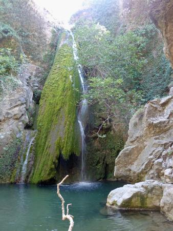 Richtis Gorge waterfall - Foto van Richtis Gorge, Sitia ...