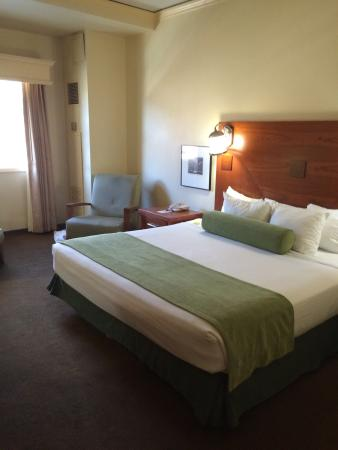 Lady Luck Casino Black Hawk : Clean, spacious, comfy bed.