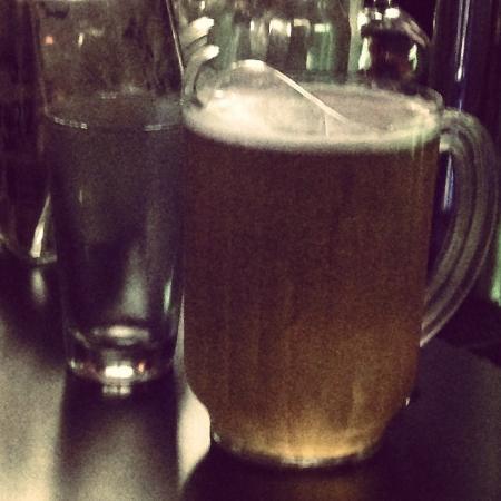 O'Shucks Pub & Karaoke Bar: Pitcher