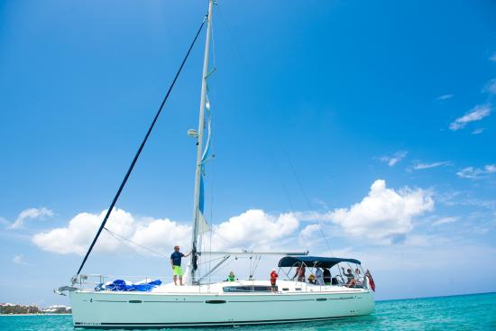 Camana Bay, Grand Cayman: Point Blue Sailing, Grand Cayman