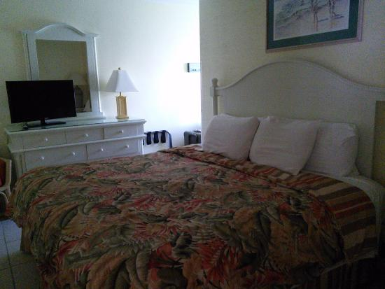 Smuggler's Cove Resort: Room