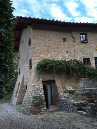 Casa del año 1272 de la Tenuta Lonciano