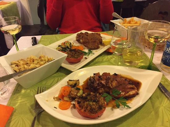 cordon bleu, champinons with snails and other traditional Elsas food