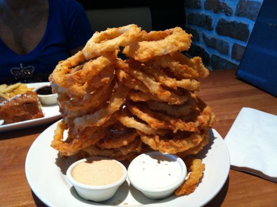 Cheddar's: Onion rings