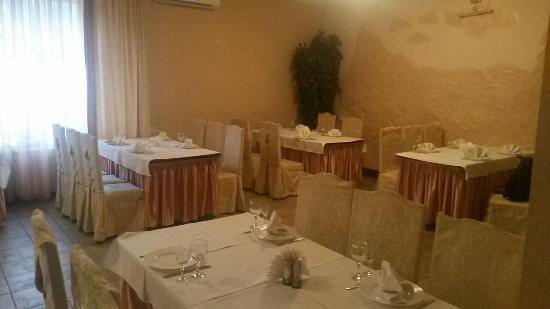 Serzh Cafe and Bar
