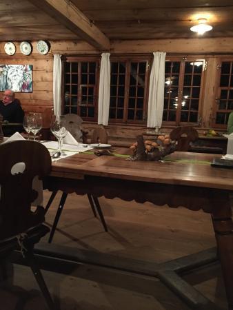Reichenbach, Schweiz: Die rustikale Bärenstube