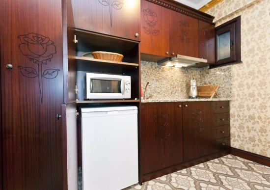 The First Ottoman Apartments Kitchen