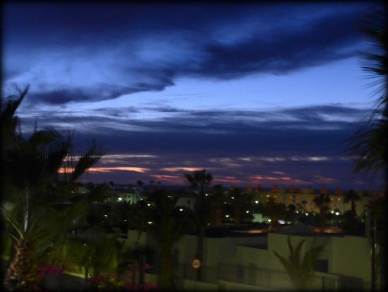 Apartamentos THe Morromar: sunrise over Matagordo from 204