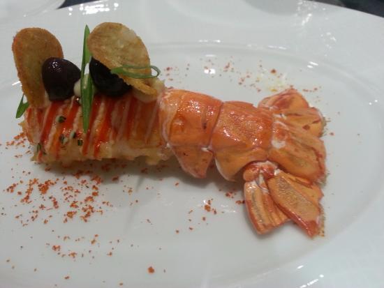 Restaurant de l'Hotel de Ville Crissier: Grosse langoustine de la mer d'Iroise et artichauts Camus