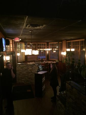 Somers, Коннектикут: Dining area, bar, rest room, filet
