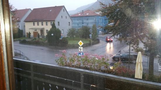 Dettingen an der Erms, Tyskland: aussicht zur hauptstrasse