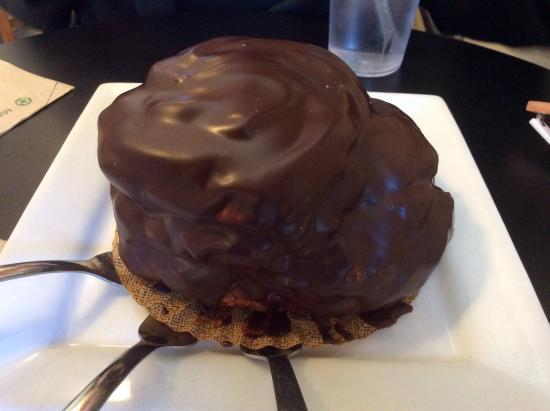 Well Bred Bakery & Cafe: The Mountain Eclair