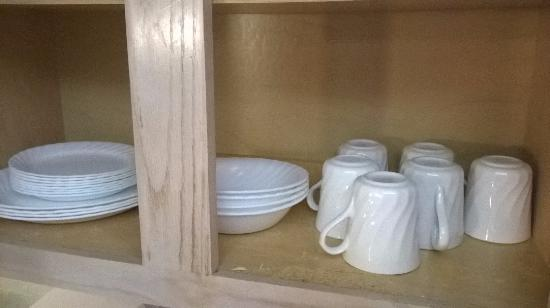 Star Island Resort and Club: Old cabinets and lower end china (as compared to other units at resort)