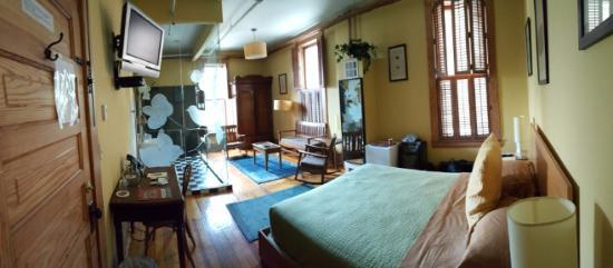Hotel Frederick Room 2