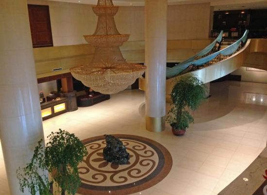 Hong Kong City Holiday Hotel: Hotel lobby