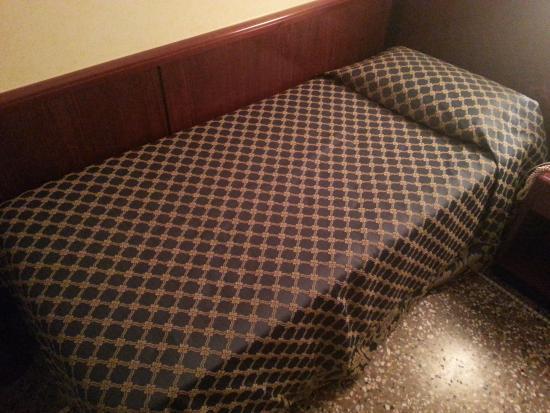 Hotel Nord Nuova Roma: Small bed