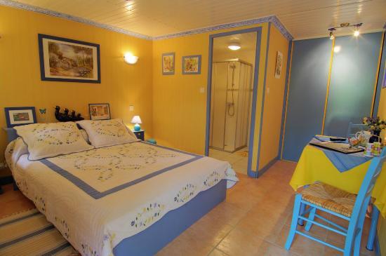 La Roche Bleue B&B (Saint Bois, France) voir les tarifs, 34 avis et 28 photos # La Roche Bleue Saint Bois