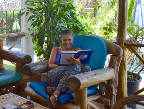 Hotel Punta Chame Villas: Cooling out with a good book