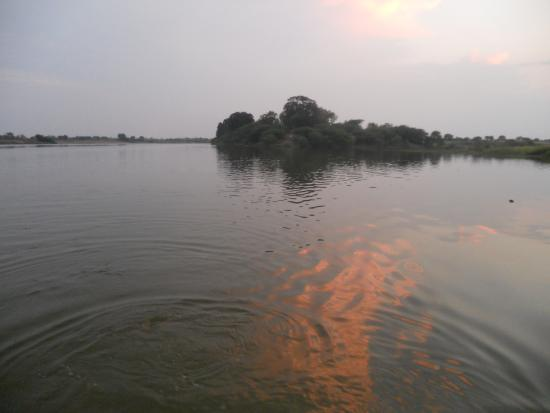 Solapur, Inde : Sangam : River Bhima & Amaraza, Ganagapur