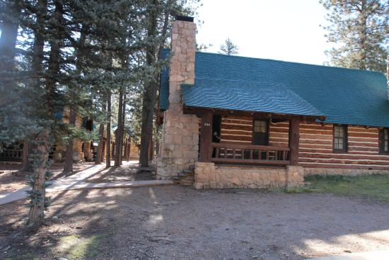 The Lodge At Bryce Canyon: Outside View Of Western Cabin