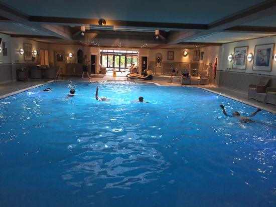 Kettering Hotels With Swimming Pool