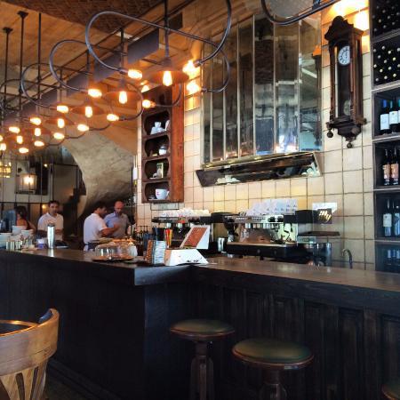 Photo of Mediterranean Restaurant Adelante at Σιδηροδρομικου Σταθμου 1, Kalamata 241 00, Greece