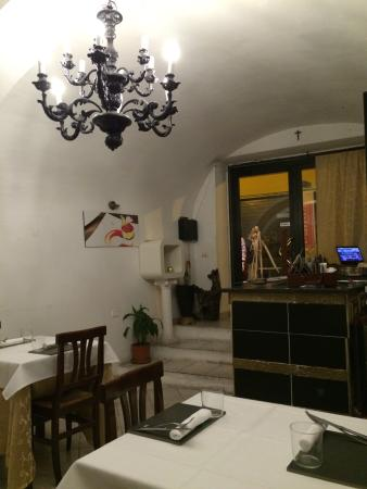 Flaiano da Alfonso: We had a very nice diner.  Fantastic meat and a fine deserts