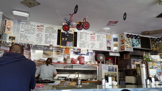 Ray's Lunch : Counter and memorabilia