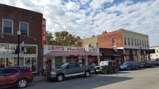 Ray's Lunch : Across the Street