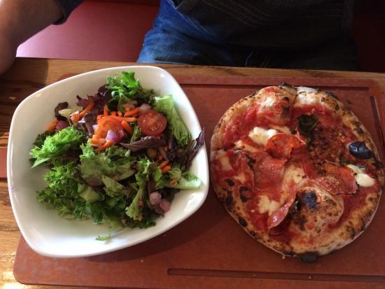 Famoso Neapolitan Pizzeria : photo1.jpg