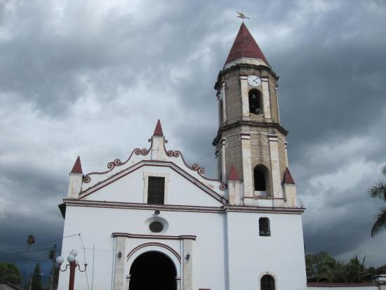 Gigante, Colombia: Внешний вид церкви