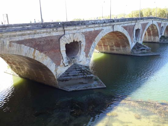 Toulouse Guided Walks : Pont Neuf