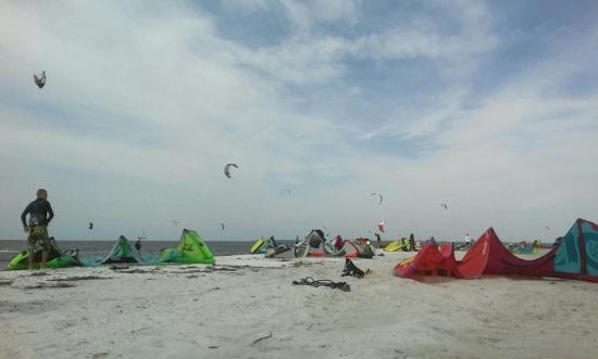 Hooked on Kiteboarding - Kiteboard Lessons