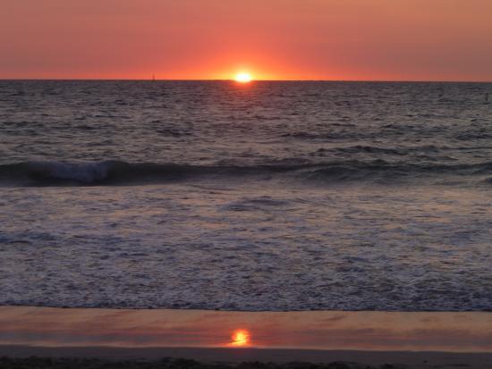 Mullaloo, Australia: Sunset on the beach