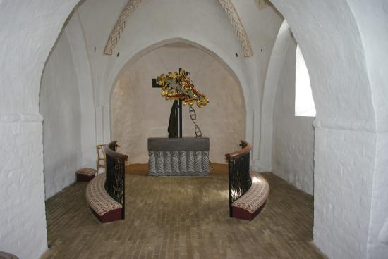 Knebel Kirke