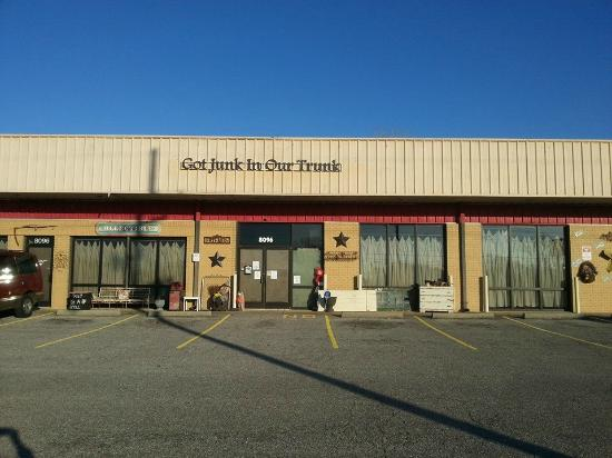 Southaven, MS: Front exterior of Got Junk In Our Trunk