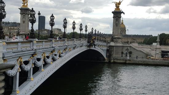 جسر الإسكندر الثالث